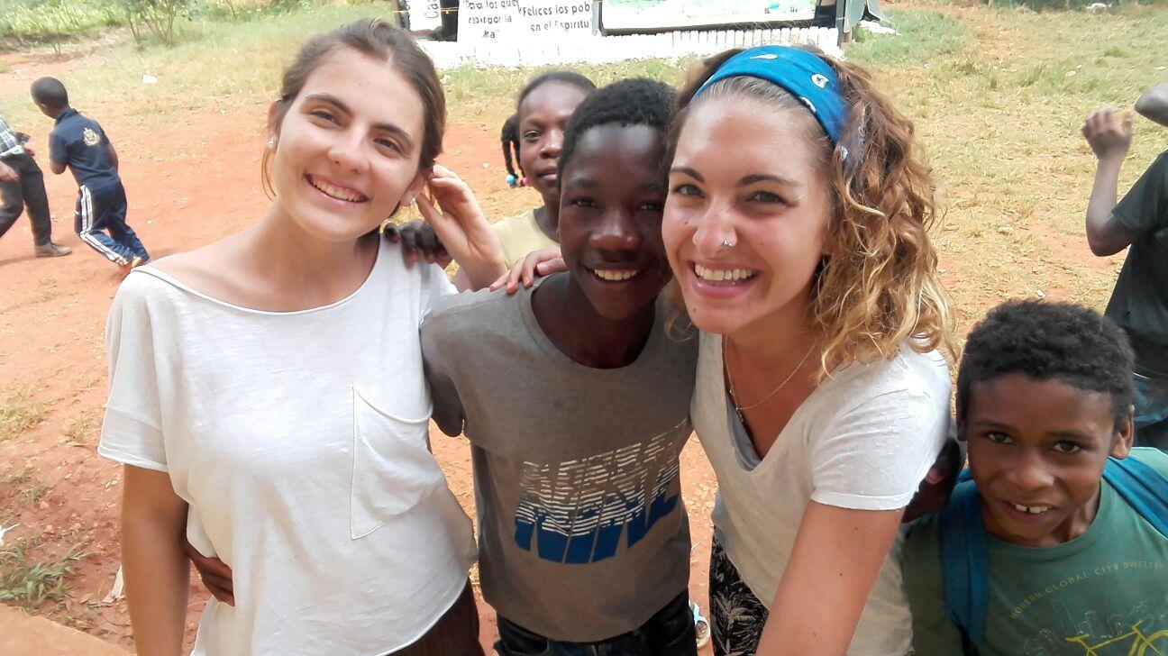 Voluntarias de FASFI.