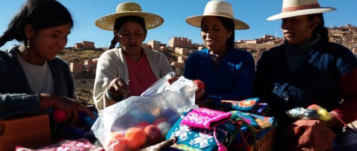 «Mujeres que tejen VIDA». Barrio Lindo. Potosí (Bolivia)